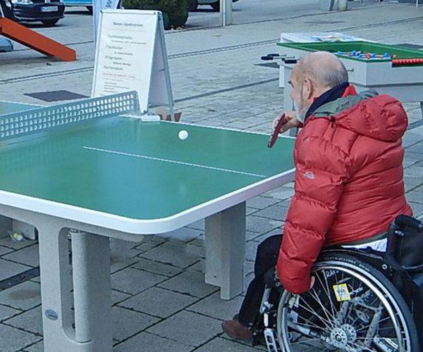 Mesa de Ping-Pong accesible para personas en sillas de ruedas