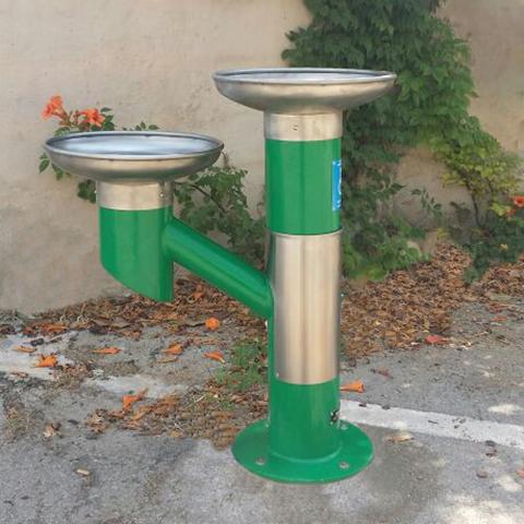 Fuente urbana doble FP-02 VERDE PARCHÍS