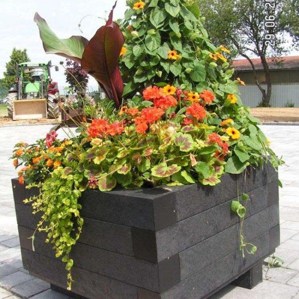 Jardinera plástico reciclado cuadrangular Iberis