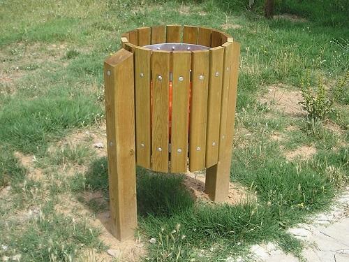 Papelera de madera GOLF