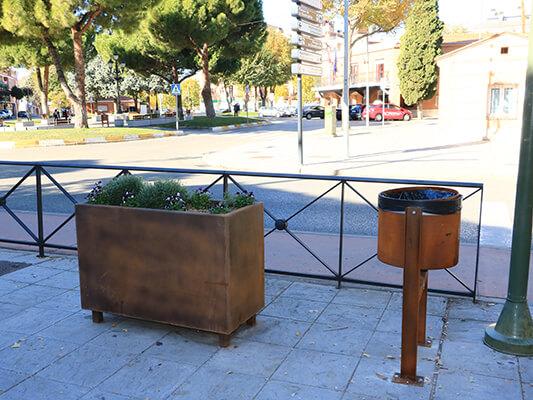 Papeleras y jardineras de acero corten para Azuqueca de Henares